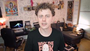 norman dans sa chambre
